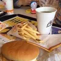 マクドナルドで昼食
