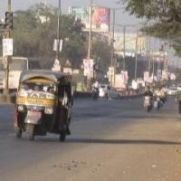 「悠久のインド9日間」№20 三輪タクシーの紹介。