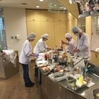 宝塚市の学校給食本の写真撮影へ
