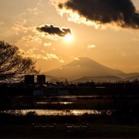 27/Mar  相模川のダイヤモンド富士と夕焼け