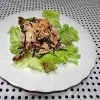 ★ミネラルが豊富な乾物、ひじき、鶏肉のサラダです★