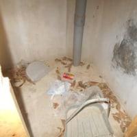 異常が続く子ども公園の男性側トイレ170628