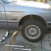タイヤ交換 夏タイヤからスタッドレスへ