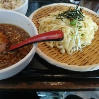門前仲町の人気ラーメン店 エビラー油 双麺