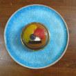 サバランとコバルトブルーの皿