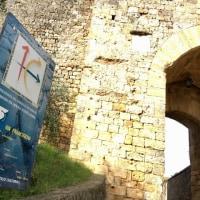 静まり返る城壁の街@モンテリッジョーニ