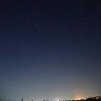 河北潟湖畔から見る 星空と北アの山並み