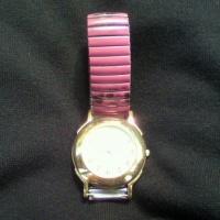 399円の時計に1080 円の電池交換!