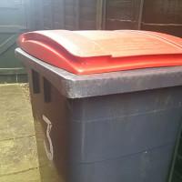 イギリスのゴミ箱のデカイこと