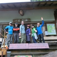 岩湧山(新百)☆雨の「勝手に森のカフェ」6月号(6月25日)