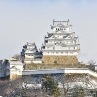雪の姫路城。