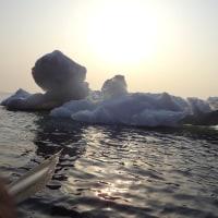 シーカヤックで流氷と夕陽