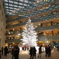 丸ノ内KITTE内のクリスマスツリー