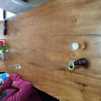 無垢板テーブルの贅沢さ