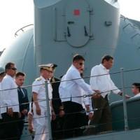 ドゥテルテ比大統領が露軍艦を見学、ロシアとの親密関係アピール