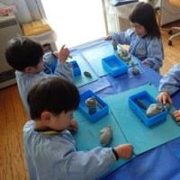 ぴんく 2歳児 粘土遊び