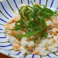 鮭寿司&酢の物~~~肉離れに。。。