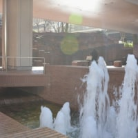 新宿高層ビル街・水の風景 新宿三井ビル55ひろば