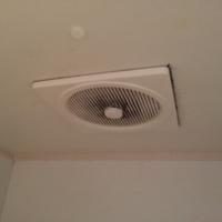 千葉県市川市 東芝換気扇 DVP-14F 浴室換気扇 うるさい 老朽化