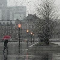 雨の東京ステイション