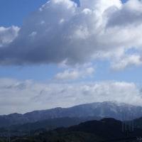 我が家から見る雪の金剛山