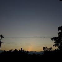 12月07日の日の出前の快晴の空。しばらくて、午前9時半の山々。