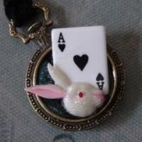 ミニ懐中時計のネックレス