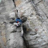 昨日はいわき市の青葉の岩場に行ってきました。また一人、外岩サイドに引き込みましたw