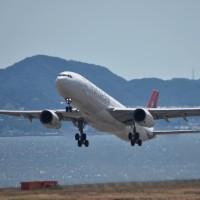 エア・カナダ・ルージュは只今冬ダイヤで運休。トランスアジア航空は会社解散した‼️