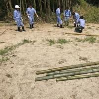 津山工業高校生徒が竹林整備