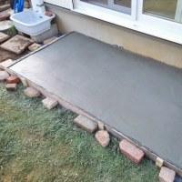 庭に土間コンを流して縁台置き場を作る!