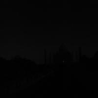 満月の空に浮かぶ漆黒の影<その2>/夜のタージマハル