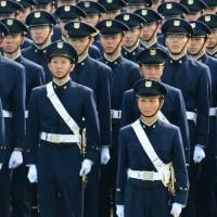 防衛相のストームヒールパンプス〜平成28年度自衛隊記念日 観閲式