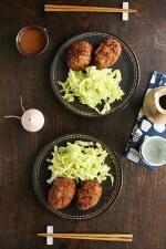 <ひかり味噌レシピ・冬>白菜の味噌メンチカツ 白菜サラダ添え