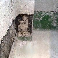 水漏れを起こしたマンションの浴室 浴槽の排水テスト