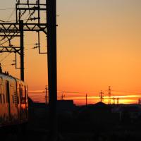 電車とサンライズ