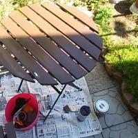 テーブルセットのテーブルを塗り直すの巻