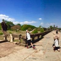 カンボジア、1日日本人男性 アンコールワットとベンメリア遺跡巡り