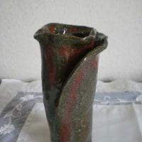 バラ型花器(還元焼成)
