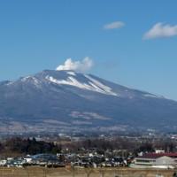 浅間山の活動が活発です。