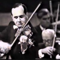 Igor Oistrakh (violin)  plays SAINT-SAENS