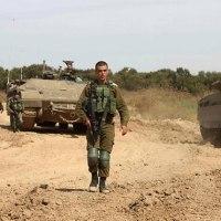 ブルドーザーがGAZAに、イスラエル兵が農民に発砲