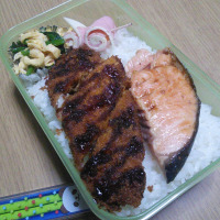 鮭と魚フライ弁当