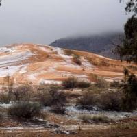 サハラ砂漠で雪 観測史上2度目