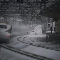 雪の米原駅