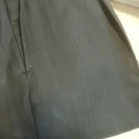 スーツのズボンを、補修する。