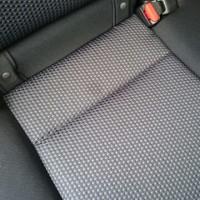 車のシートの糸引き修理