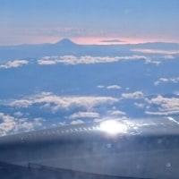 逆光の富士のお山