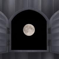 月は何でも知っている
