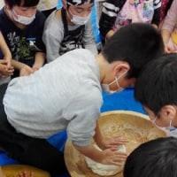 子どもたちと「ちまき作り」~~~小松生活学校
